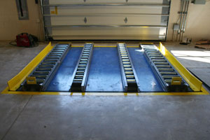 Pallet Lift and Pallet Conveyor Photo